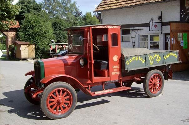 Description: C:\Users\Gebruiker\Pictures\Nieuwe map (21)\Traktoren-Museum_Kempen_McCormick_Deering_(IHC)_1924_(op_de_grille_staat_International)[1].jpg